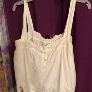 Nwot off white sleevelesss top
